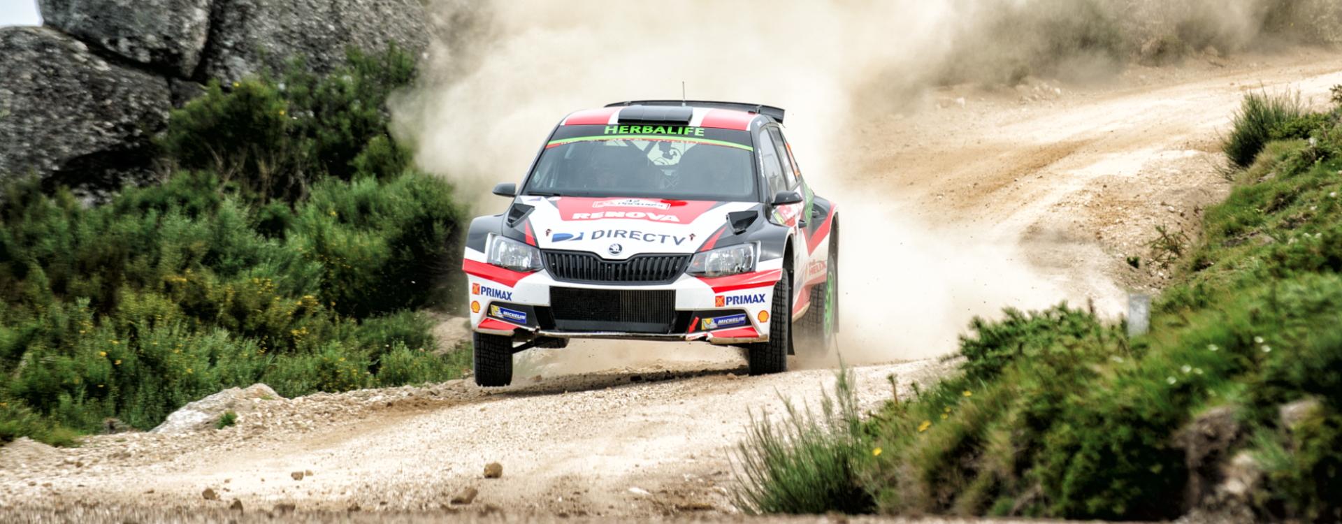 V kategorii WRC2 ovládly Portugalskou rally vozy ŠKODA Fabia R5