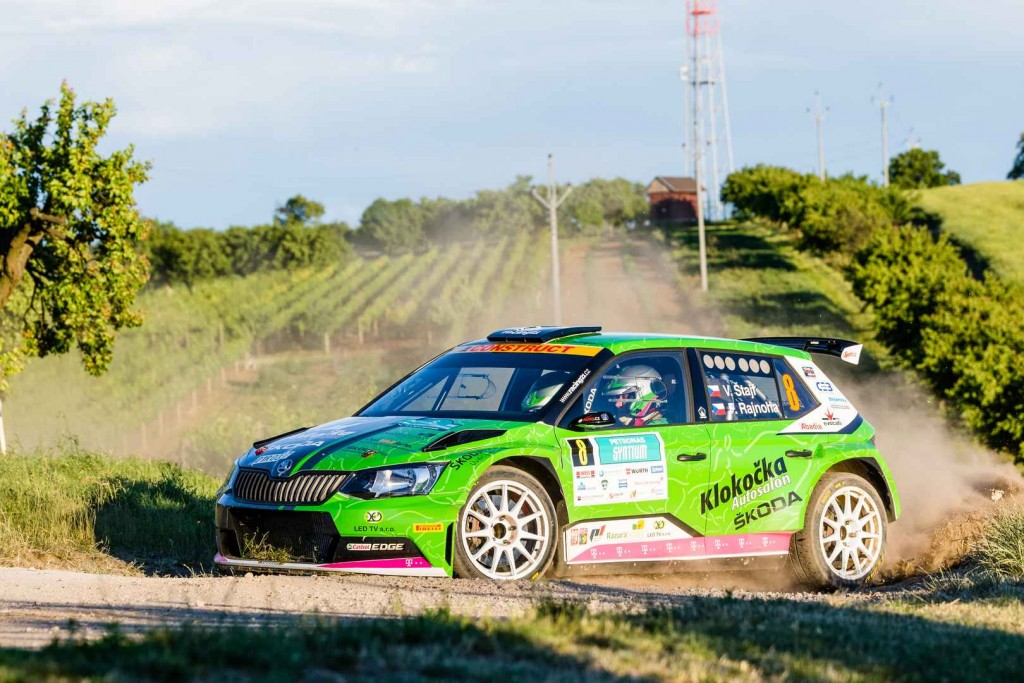 skoda-fabia-r5-cars-at-the-rally-hustopece-20