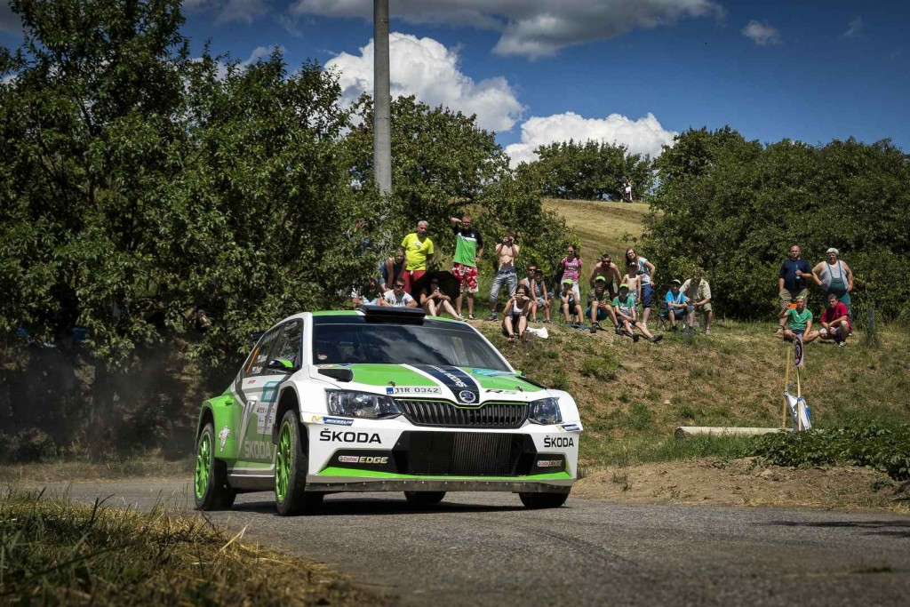 skoda-fabia-r5-cars-at-the-rally-hustopece-21