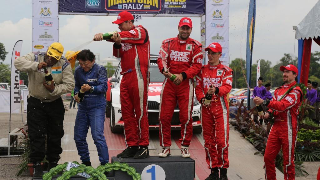 Gaurav Gill / Glenn Macneall, Fabian Kreim / Frank Christian, ŠKODA FABIA R5, Team MRF. APRC Malaysian Rally 2016