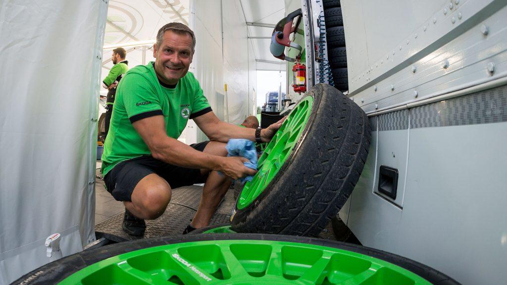 Asfaltové pneumatiky, ŠKODA FABIA R5