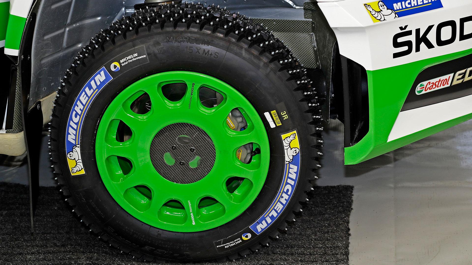 Zimní pneumatiky s hroty, ŠKODA FABIA R5