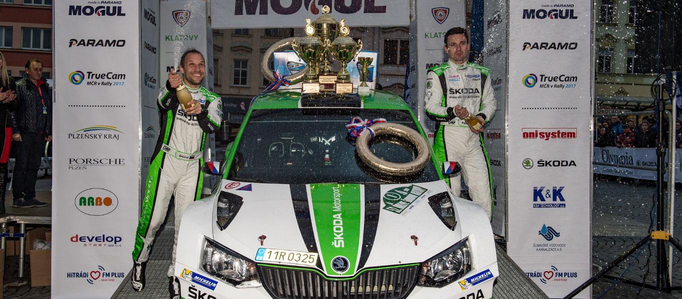 Rallye Šumava Klatovy: Jan Kopecký a ŠKODA pokračují v působivé vítězné sérii