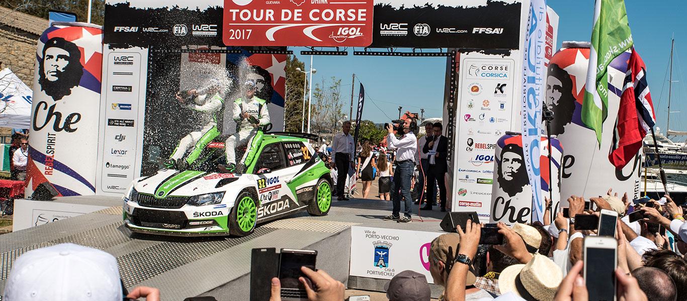 WRC Korsika: ŠKODA drží první dvě místa v celkovém hodnocení třídy WRC2