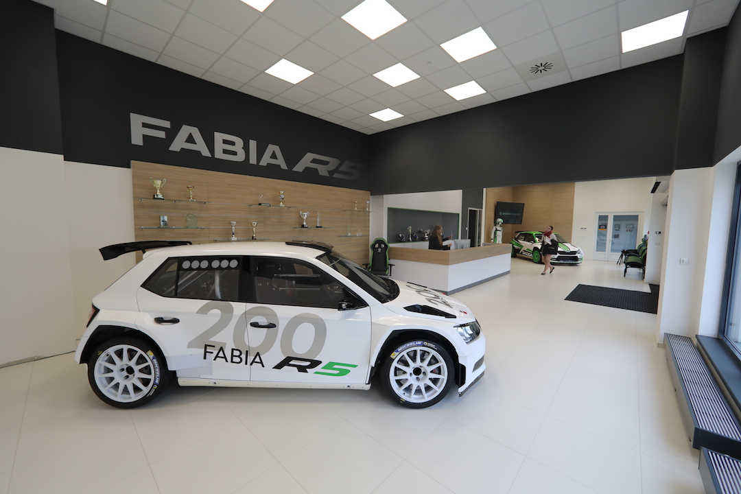 ŠKODA Motorsport Delivers 200th FABIA R5 to a Customer