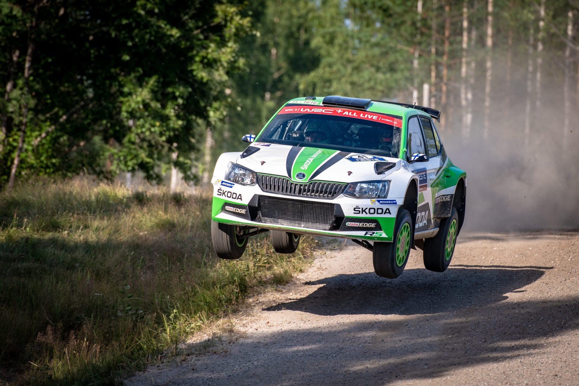 Užijte si nejlepší okamžiky z Finské rallye v našem souhrnném videu!
