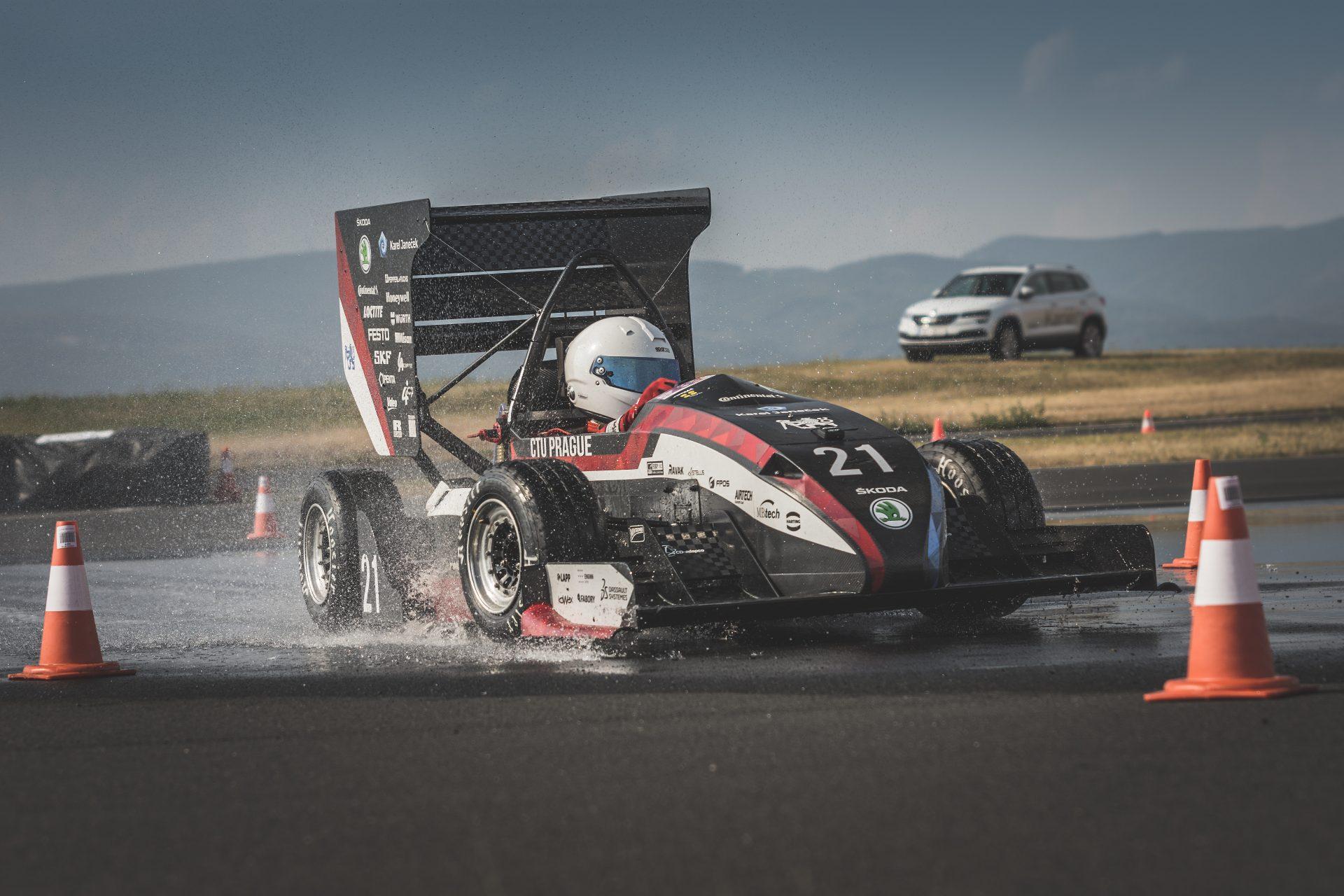 Formula Student Czech Republic 2018: Skvělý závod přerušený počasím