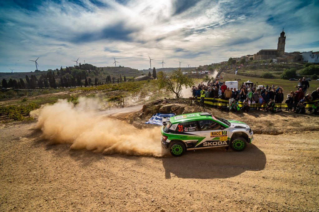 3-things-you-need-to-know-about-dust-in-rallying-fabia-r5-the-dust-monster