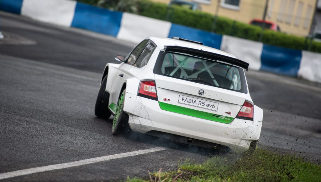 first-customer-teams-tested-fabia-r5-evo-video