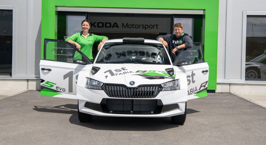 toni-gardemeister-took-over-the-first-fabia-r5-evo-customer-car