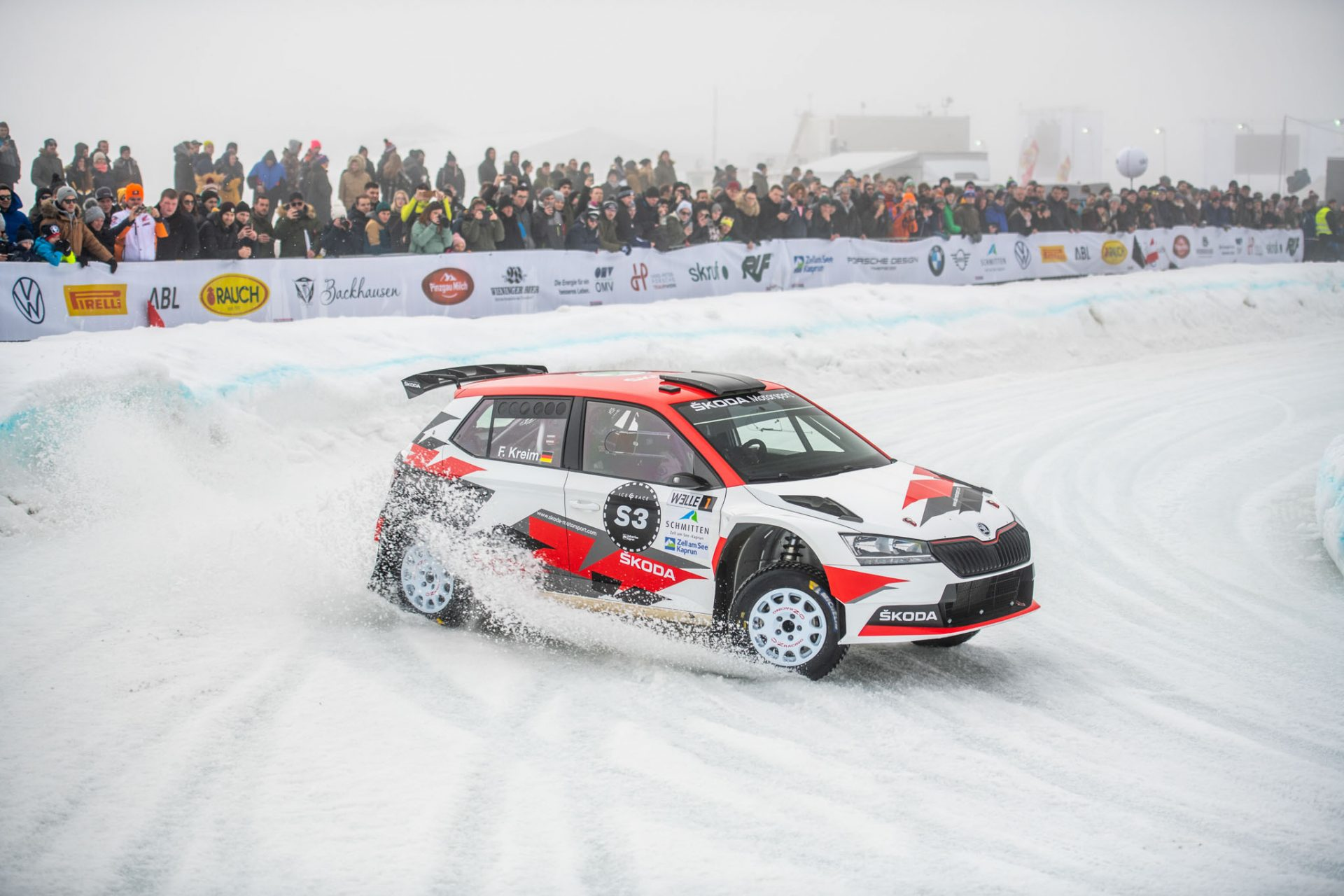 Download winter wallpapers from the Ice Race of Champions