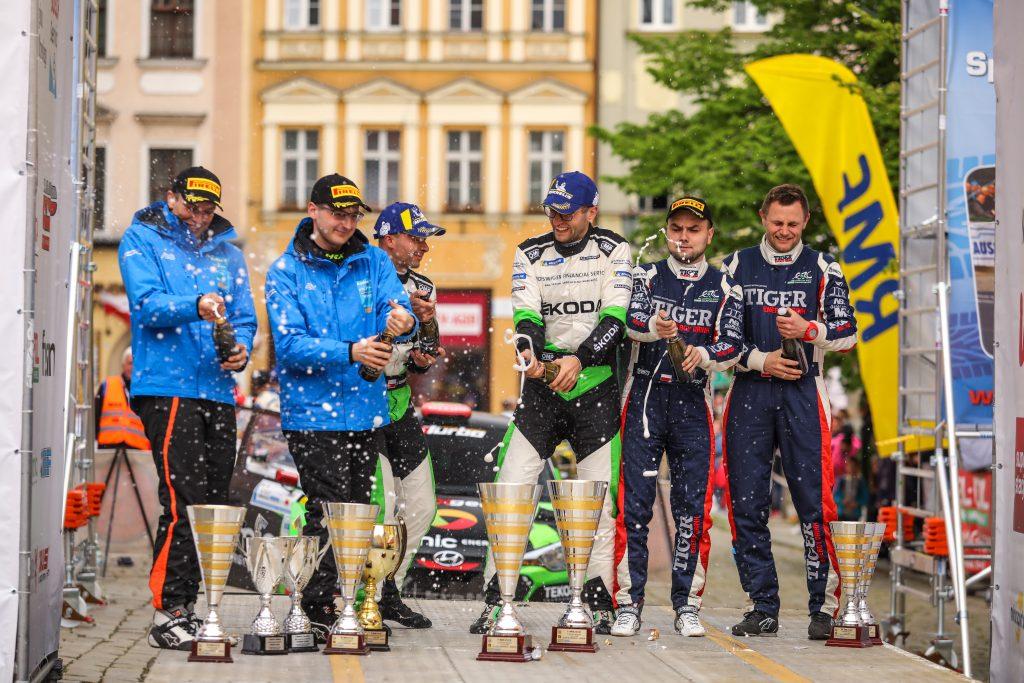 skoda-polska-motorsport-zwycieza-rajd-swidnicki-krause-2019