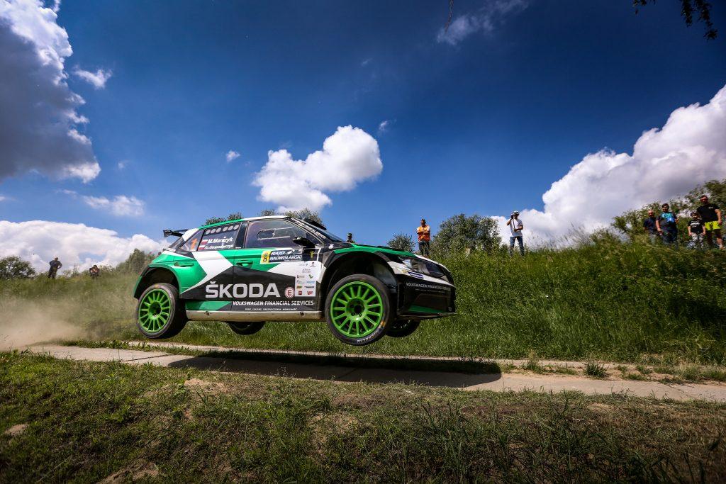 zaloga-skoda-polska-motorsport-zdobywa-druga-pozycje-na-trasach-rajdu-nadwislanskiego